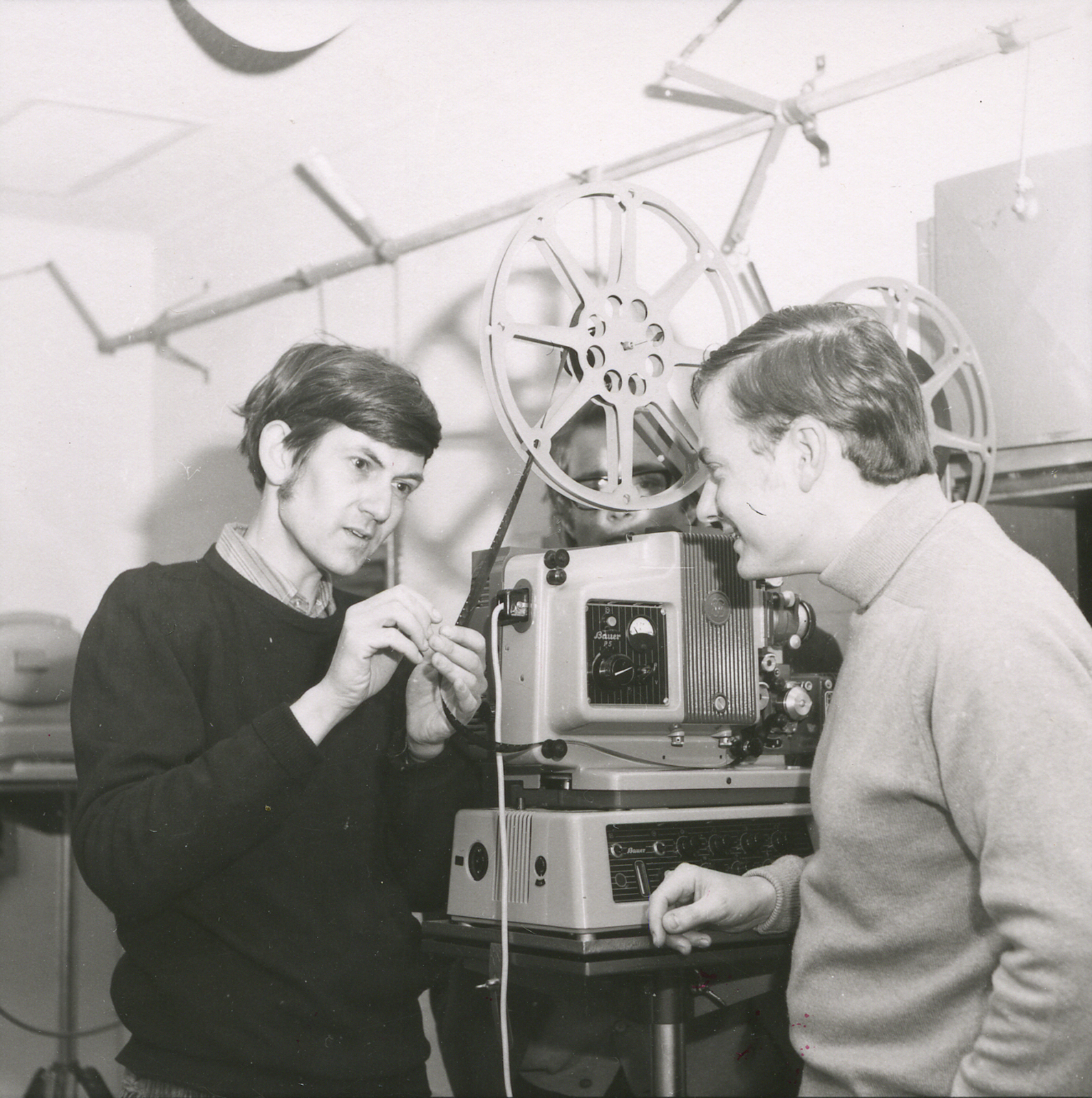L-R: Andrew Pike with film maker and ANU Creative Arts Fellow Arthur Cantrill, 1969. Photo courtesy of ANU Archives.