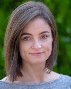 Dr Leslie Barnes
