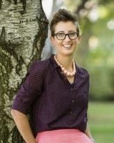 Dr Caroline Schuster